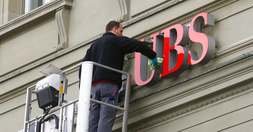 European Markets Move Higher Amid Earnings; UBS Down By 3%